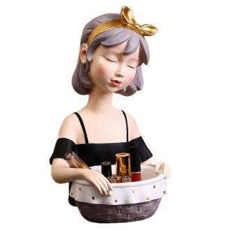 Figurka ozdobna ceramiczna dama dziewczyna z koszykiem