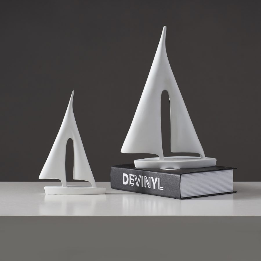 Figurka ozdobna ceramiczna żaglówka statek biała czarna (1)